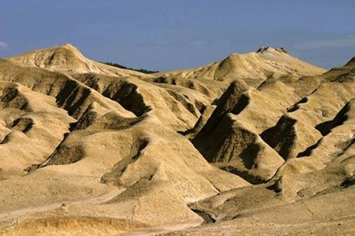Berca - Mud Vulcanoes